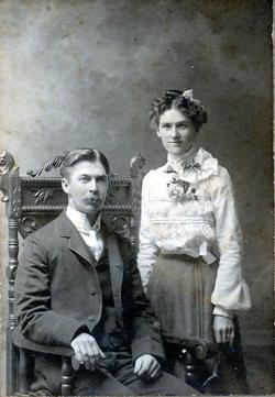 Lorne Robinson and Mary Collins wedding picture